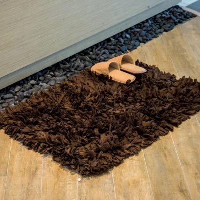 Důkladné čištění koberců v domě