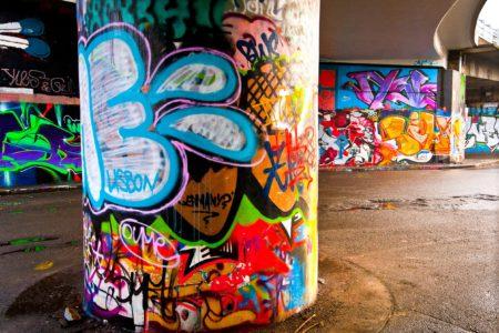 """Profesionálové z """"Antigraffiti Praha"""" dokáží odstranit graffiti ze všech povrchů"""