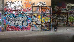Jak se bránit proti grafiti čmáranicím? Sprejem!