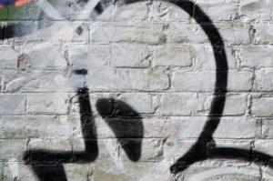 Graffiti na mostě