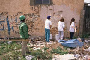 Neprofesionální odstranění graffiti