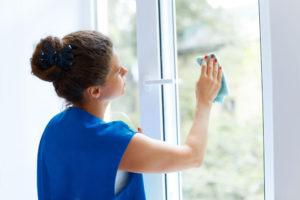 Leštění oken a rámů