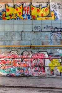 """S""""Odstraňováním graffiti Praha"""" není problém mít krásnou fasádu bez zbytečných nápisů"""