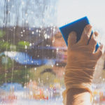 Umývanie okien v dome cena