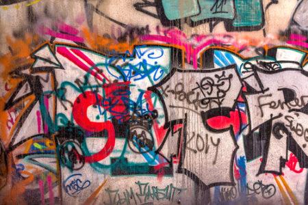 """Nebojte se, graffiti je možné odstranit, stačí znát ten správný postup. """"Odstranění graffiti Praha"""""""
