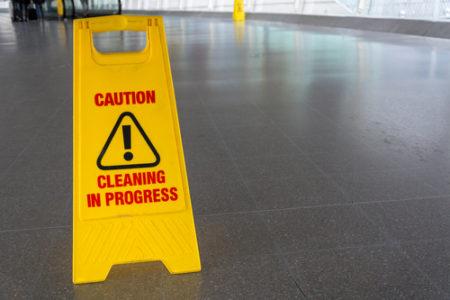 Generálne a hĺbkové čistenie podláh, nano impregnácia Bratislava, Voskovanie, strojové čistenie, umývanie, podláh
