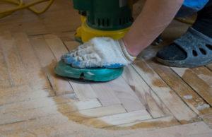 Každý problém má řešení. A se špinavou podlahou vám pomůže kotoučový stroj. Voskování linolea